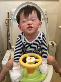1歳11か月 トイレでできるよ.jpg