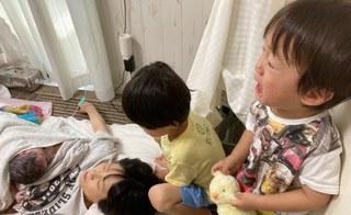 2歳出産現場を目撃し泣き叫ぶ.jpg