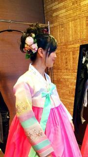 披露宴韓服のヘアスタイル.jpg