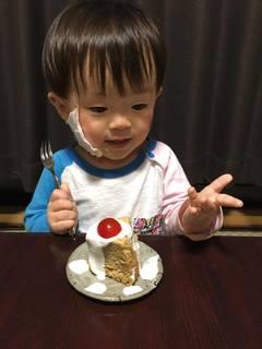 2歳ケーキで断乳.jpg