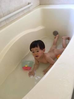 2歳1ヶ月水浴び解禁.jpg